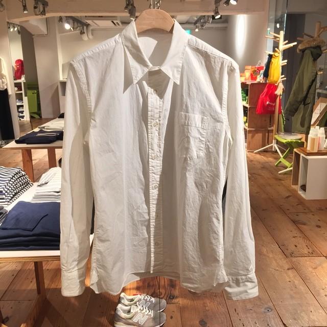 白シャツ製品染め